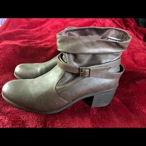 American Eagle brown faux leather ankle boots